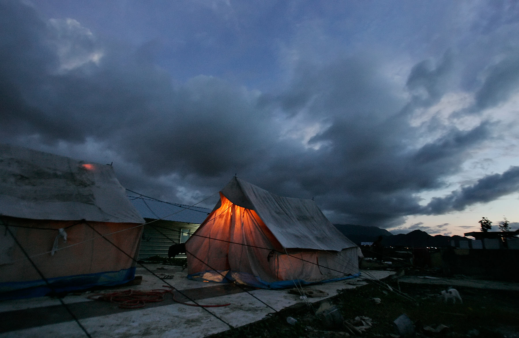 Aceh refugees from Asian Tsunami sleep in tents